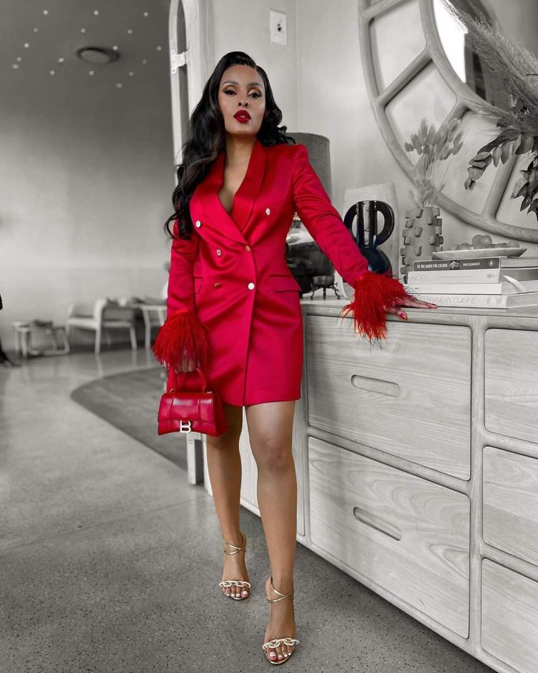 Kefilwe luxury feather dress R1800 (with feather ) R1100(without feathers)comes in a colours